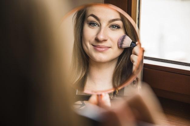 روش صحیح رژگونه زدن ، آرایش ساده صورت در منزل