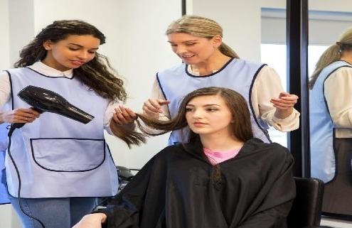 آموزشگاه آرایشگری زنانه معتبر در تهران