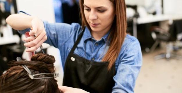 قیمت آموزش آرایشگری زنانه